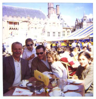 Kees Kousemaker with François Avril and family at Stripdagen Haarlem, June 2002