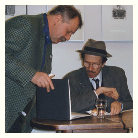 Kees Kousemaker and Bob Crumb during a signing in Lambiek