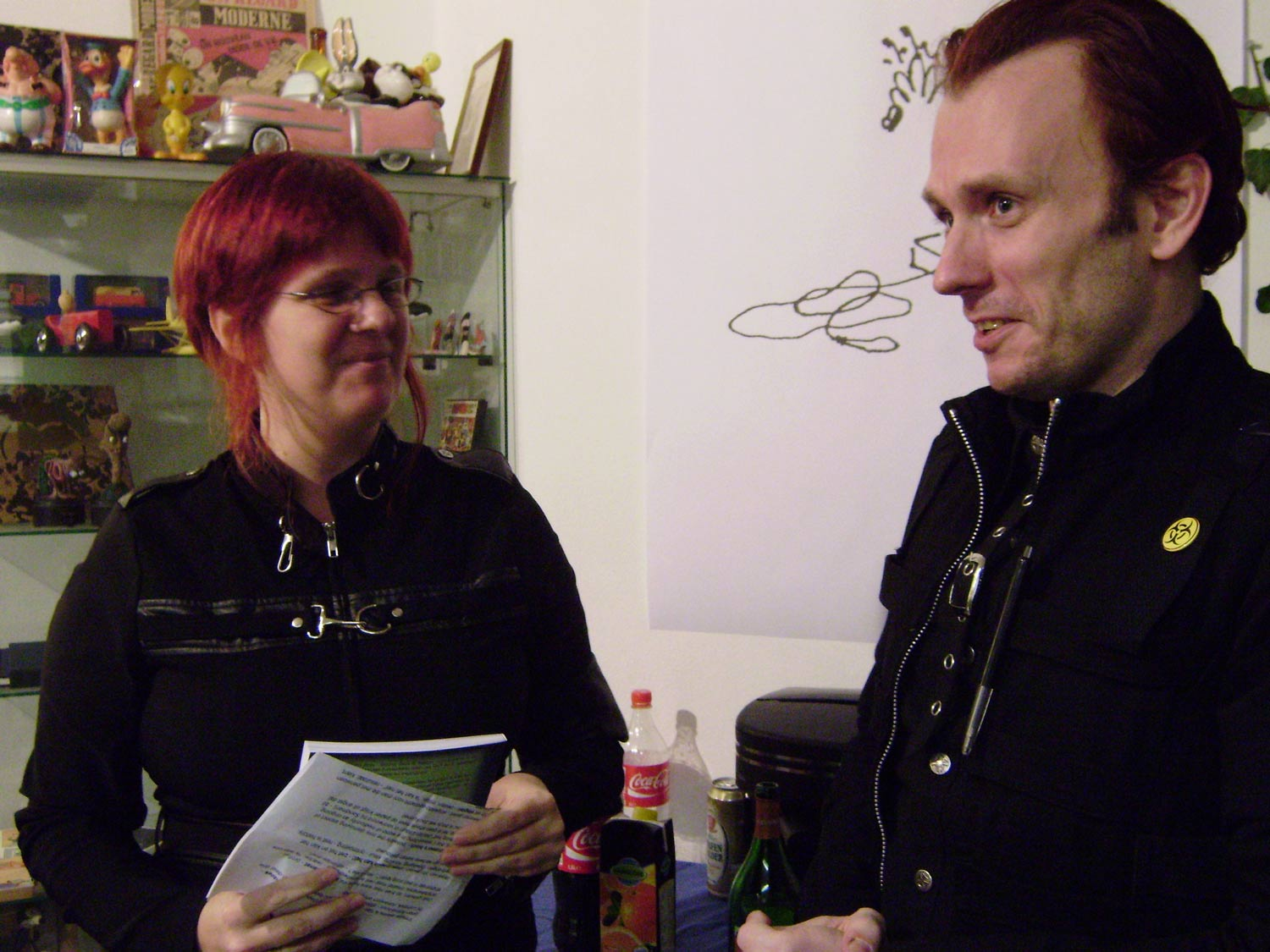 Yiri T. Kohl and Senoeni (Margreet de Heer) presenting the Bijlmerboys Omnibus at Galerie Lambiek in February 2009