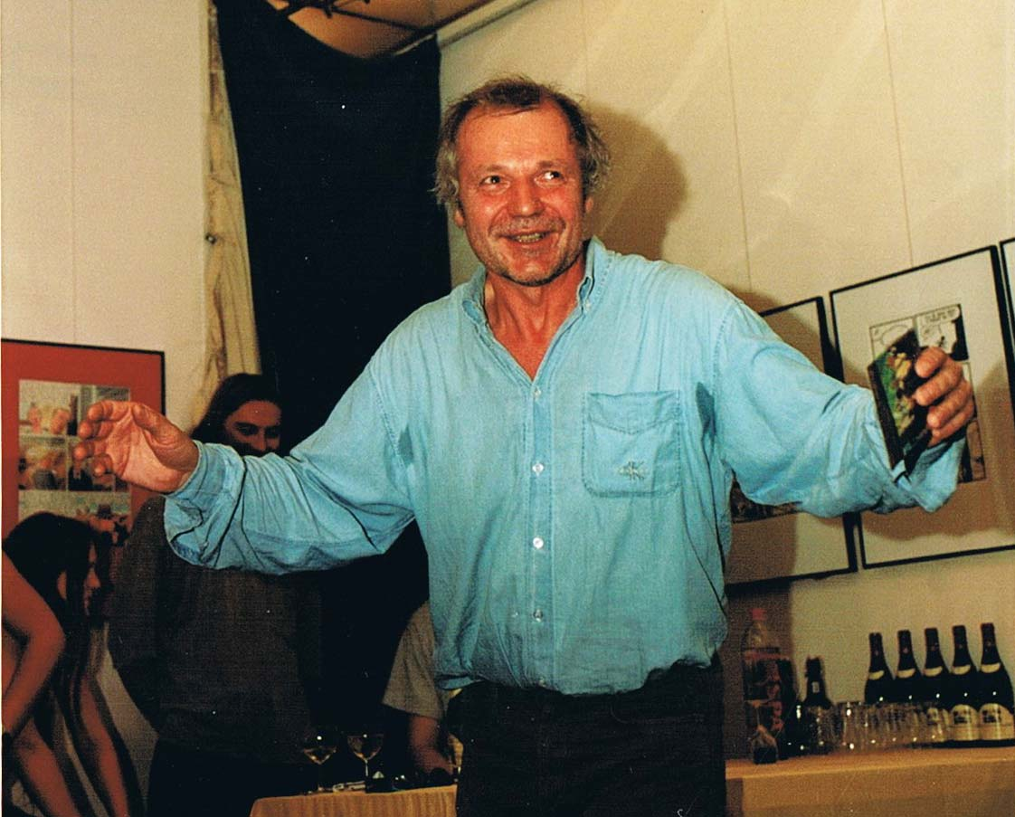 Kees Kousemaker performing a speech at the Drawn & Quarterly exposition at Lambiek in 1996