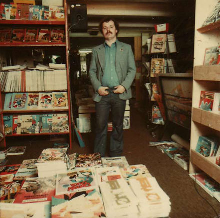 Kees Kousemaker at stripwinkel Lambiek comic shop in 1974